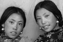 02a-Lhasa-nomad-girls